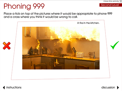 Image of Phoning 999